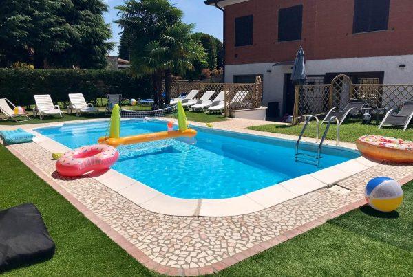 Villa con piscina Milano Nord Est - festa di diciottesimo - info e preventivi 3333355536