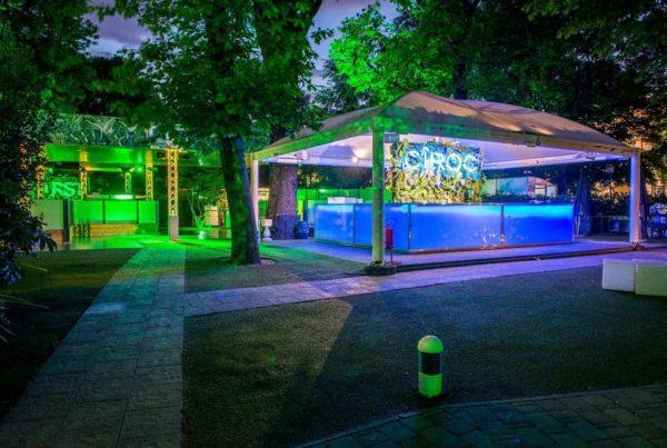 Giardino esterno per feste di 18 anni al First Club di Milano